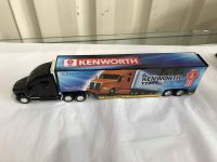 1:68 Scale Kenworth Truck with Container