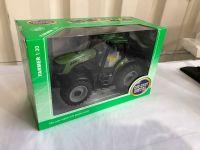 1:30 Tractor diecast model Free Wheel - Green