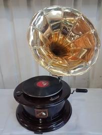 Round gramaphone